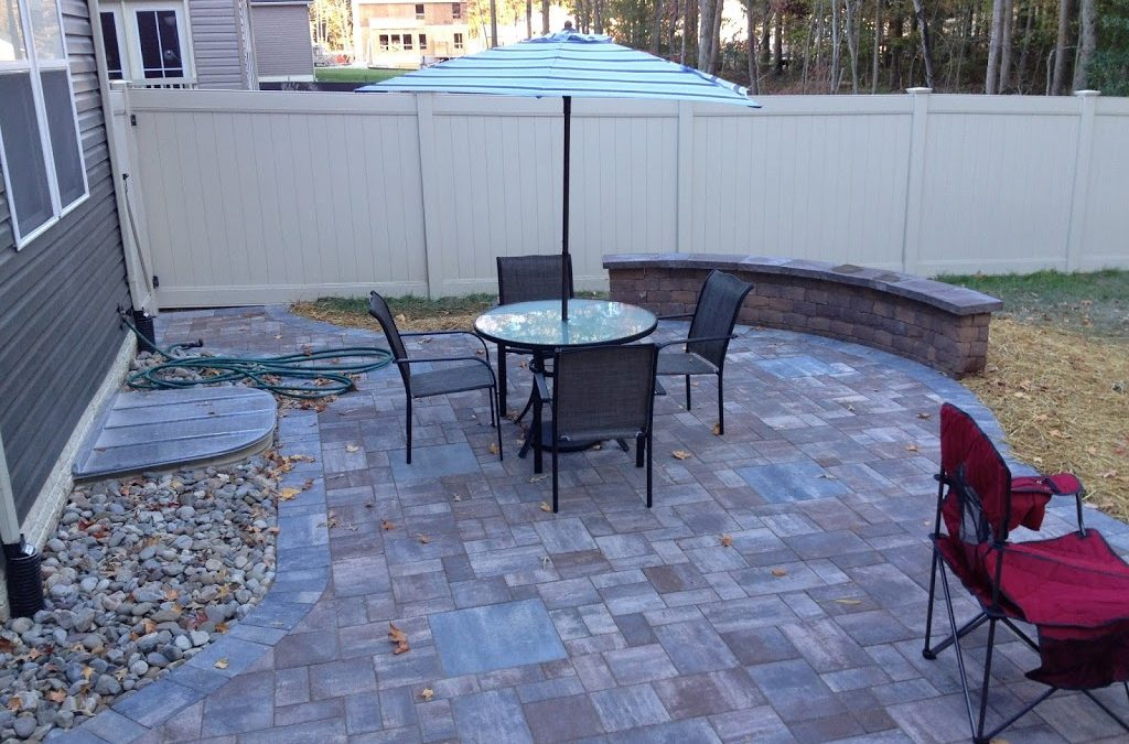 Patio with a mix of color | Life Time Pavers